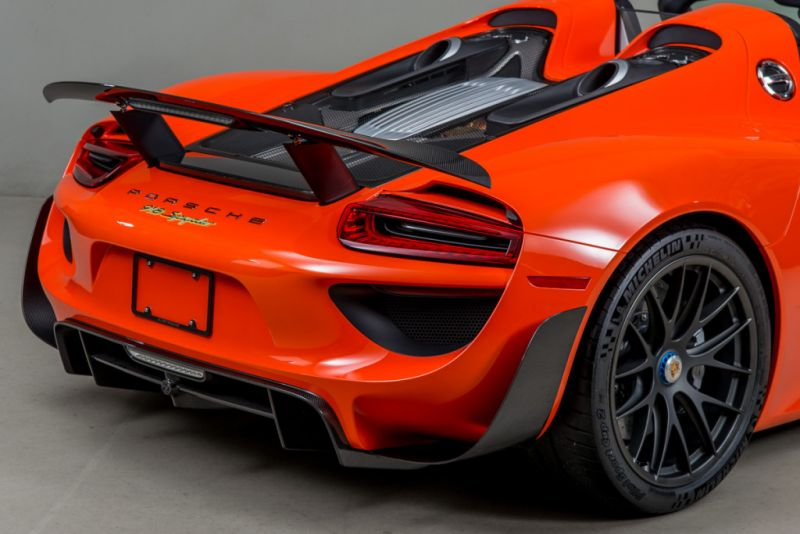orange porsche 918 weissach. Black Bedroom Furniture Sets. Home Design Ideas